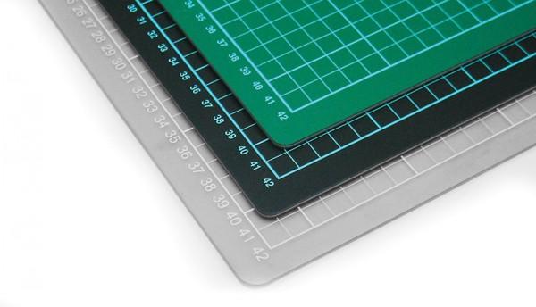 Schneidematte, grau, schwarz, grün, 150 x 100 cm